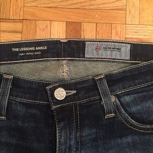 AG legging ankle jeans with wholes in the knee